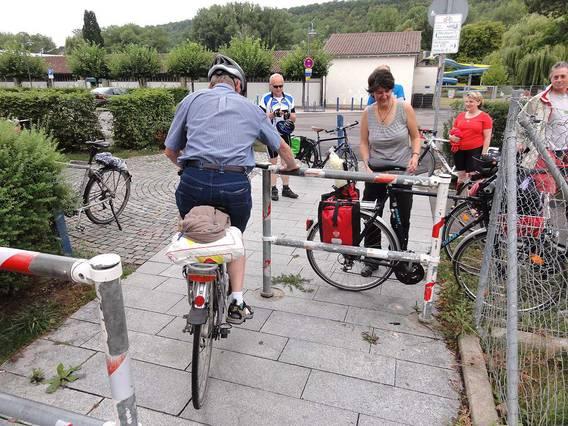 Drängelgitter behindern den Radverkehr