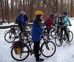 keine Hexerei: Radfahren geht auch im Winter